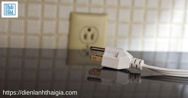 Lò vi sóng không vào điện