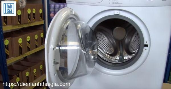 Lỗi E40 máy giặt Electrolux