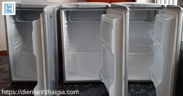 tủ lạnh bị thủng ngăn đá