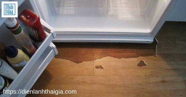 tủ lạnh chảy nước ngăn mát