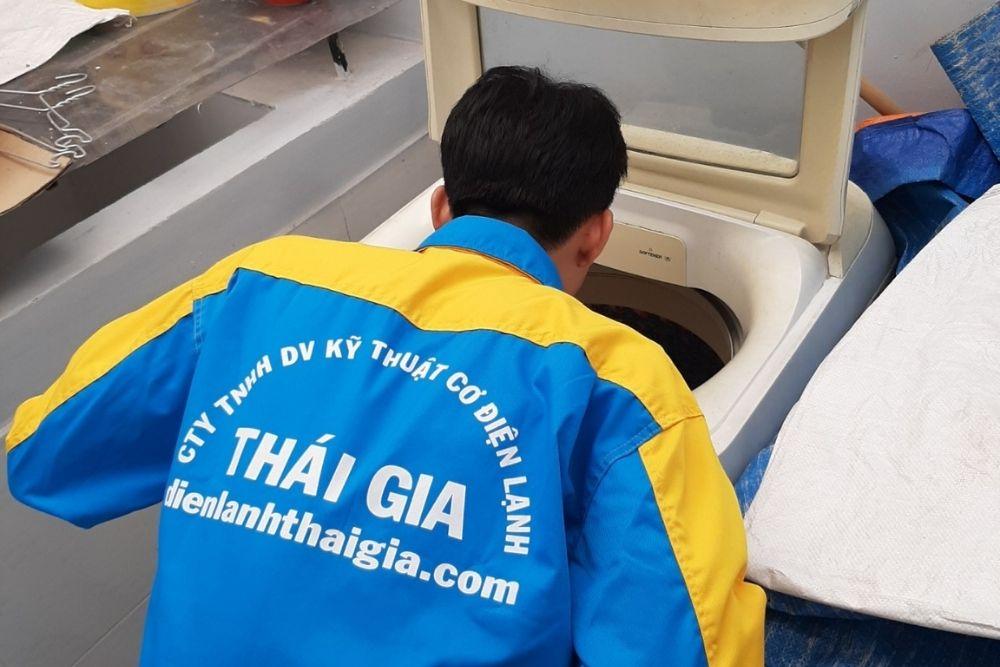 thợ vệ sinh máy giặt